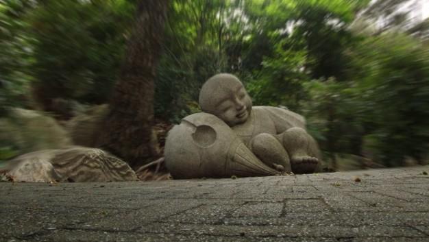Odpočívající malý Buddha